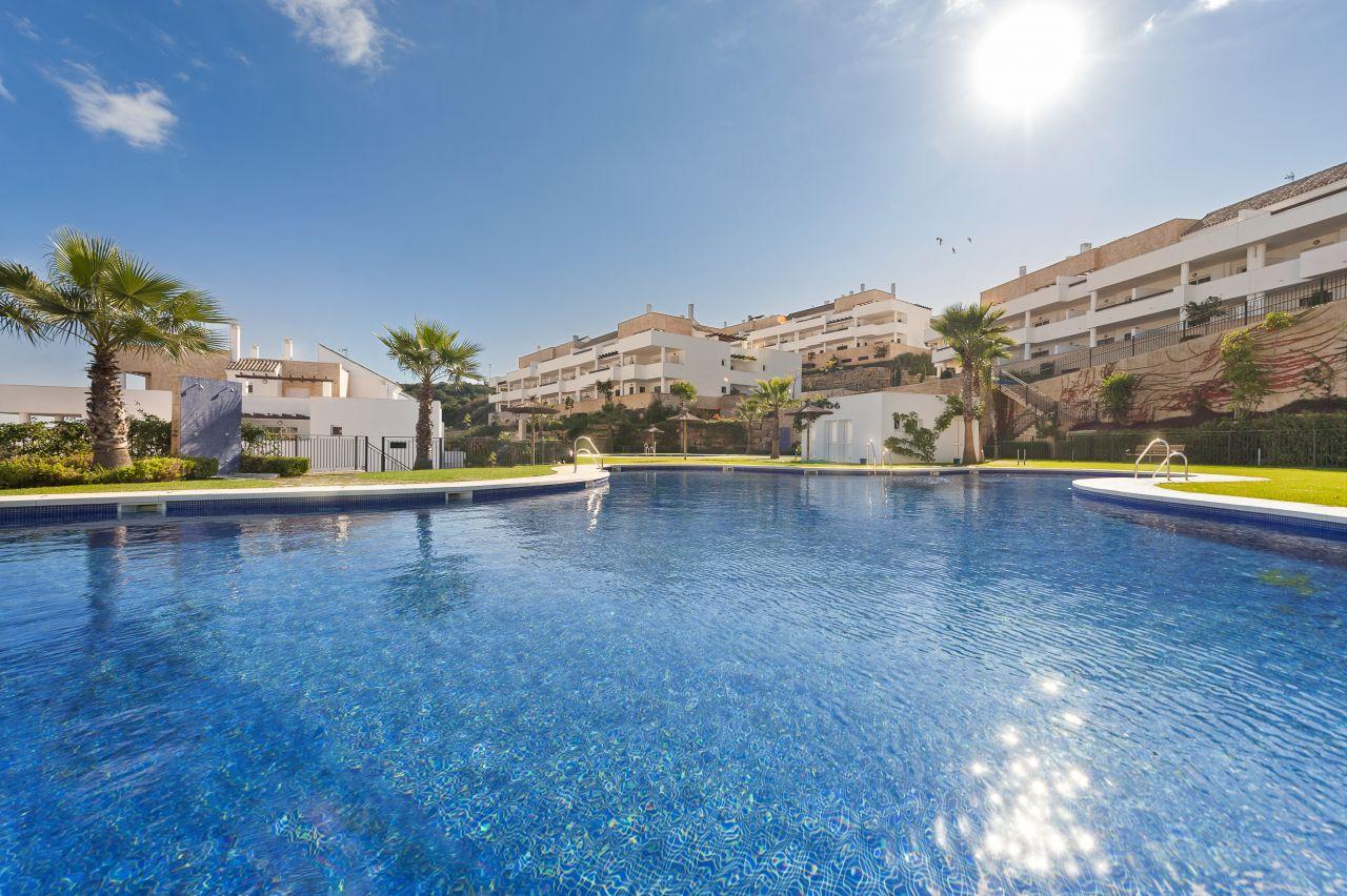 Апартаменты в Эстепоне, Испания, 100 м2 - фото 1