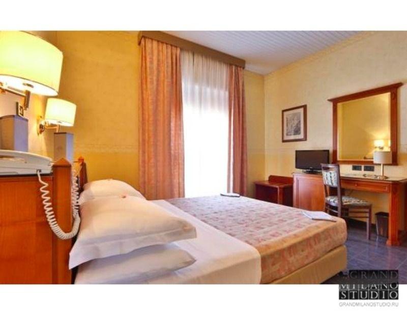 Отель, гостиница в Эмилия-Романья, Италия, 1000 м2 - фото 1