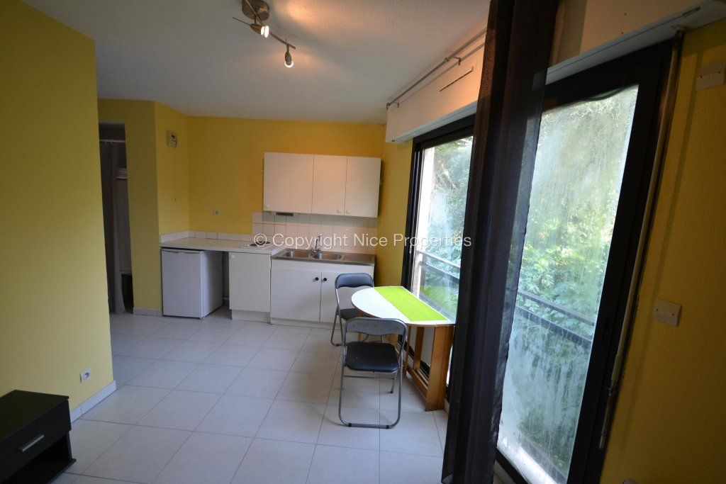 Квартира в Больё-сюр-Мер, Франция, 22 м2 - фото 1