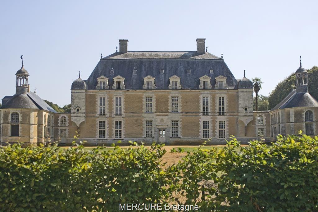 Замок в Бретани, Франция, 16 Га - фото 1