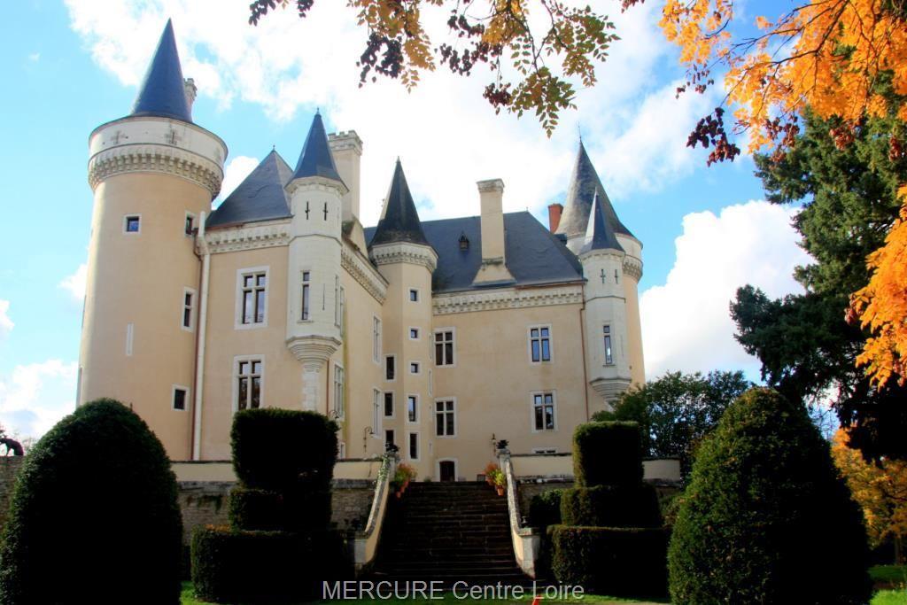 Замок в землях Луары, Франция, 2.35 Га - фото 1