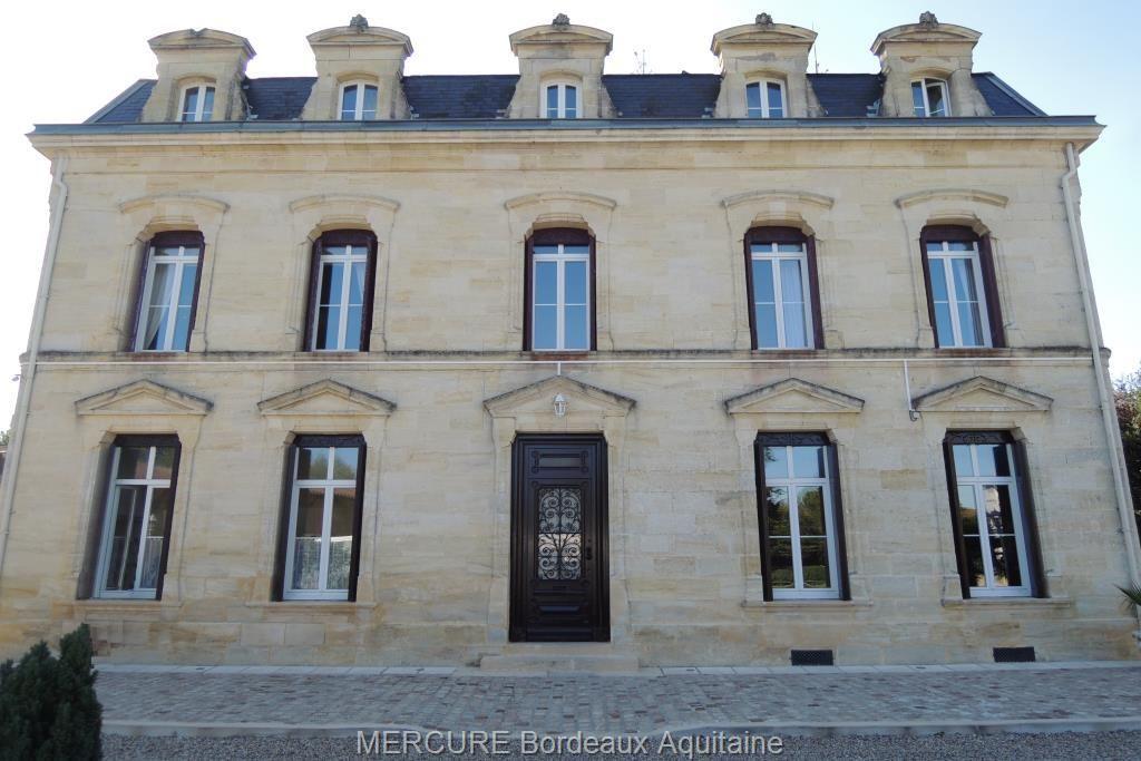 Замок в Бордо, Франция, 486 м2 - фото 1