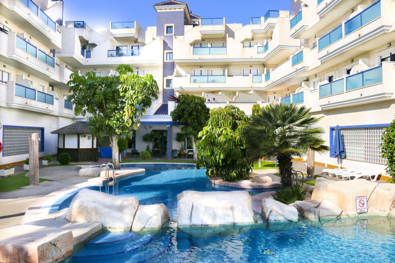 Апартаменты в Кабо Роч, Испания, 65 м2 - фото 1