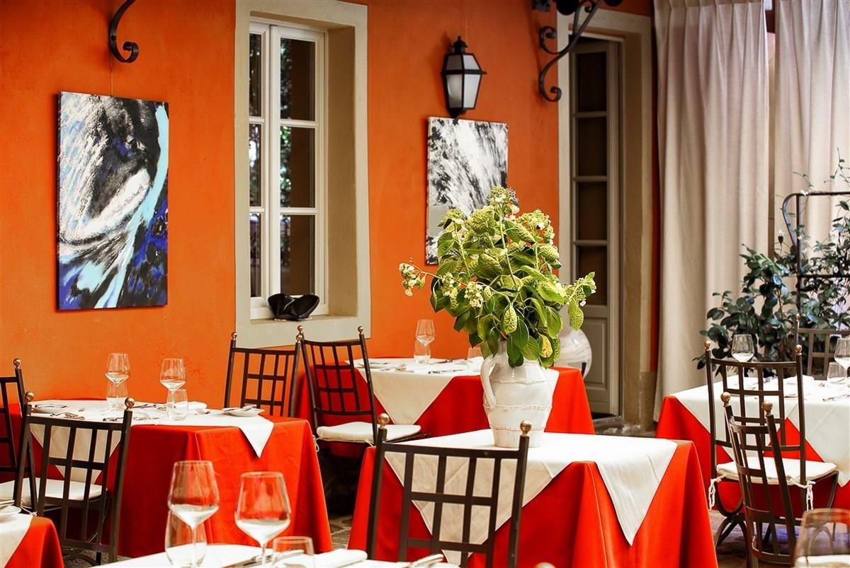 Отель, гостиница у озера Маджоре, Италия, 641 м2 - фото 1