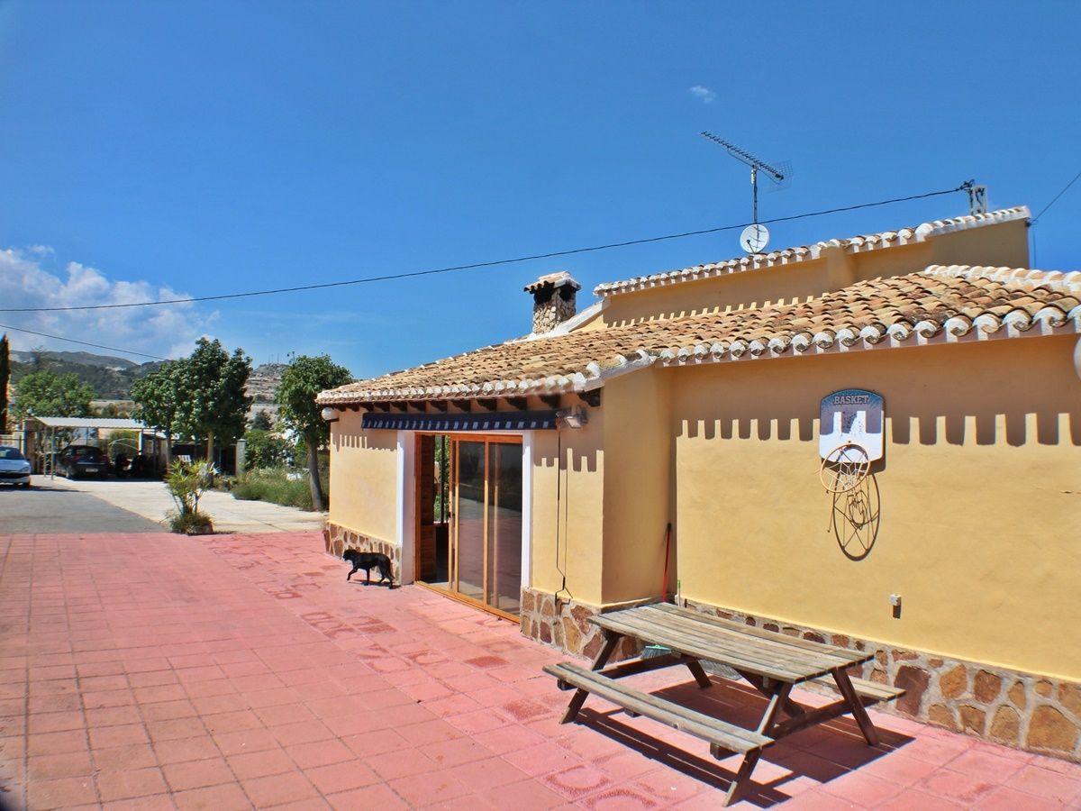 Вилла в Гата-де-Горгос, Испания, 1355 м2 - фото 1