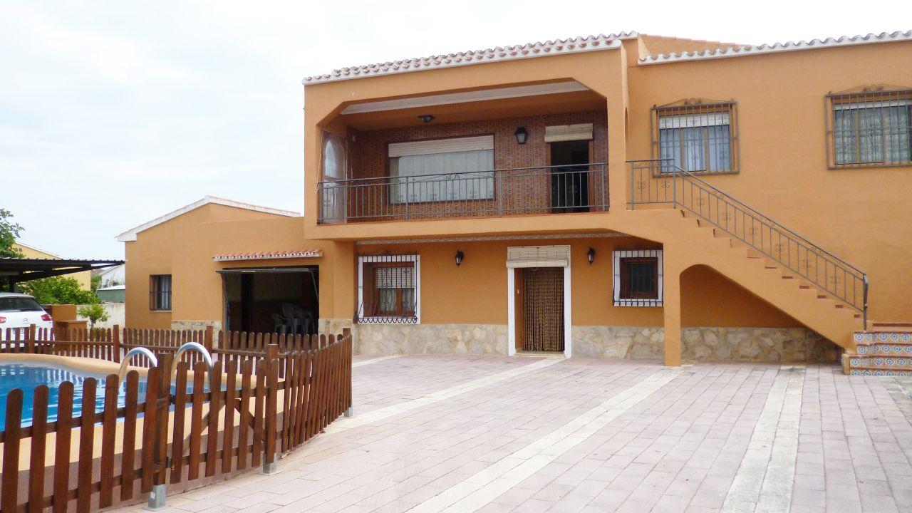 Вилла в Эльс-Поблетс, Испания, 902 м2 - фото 1
