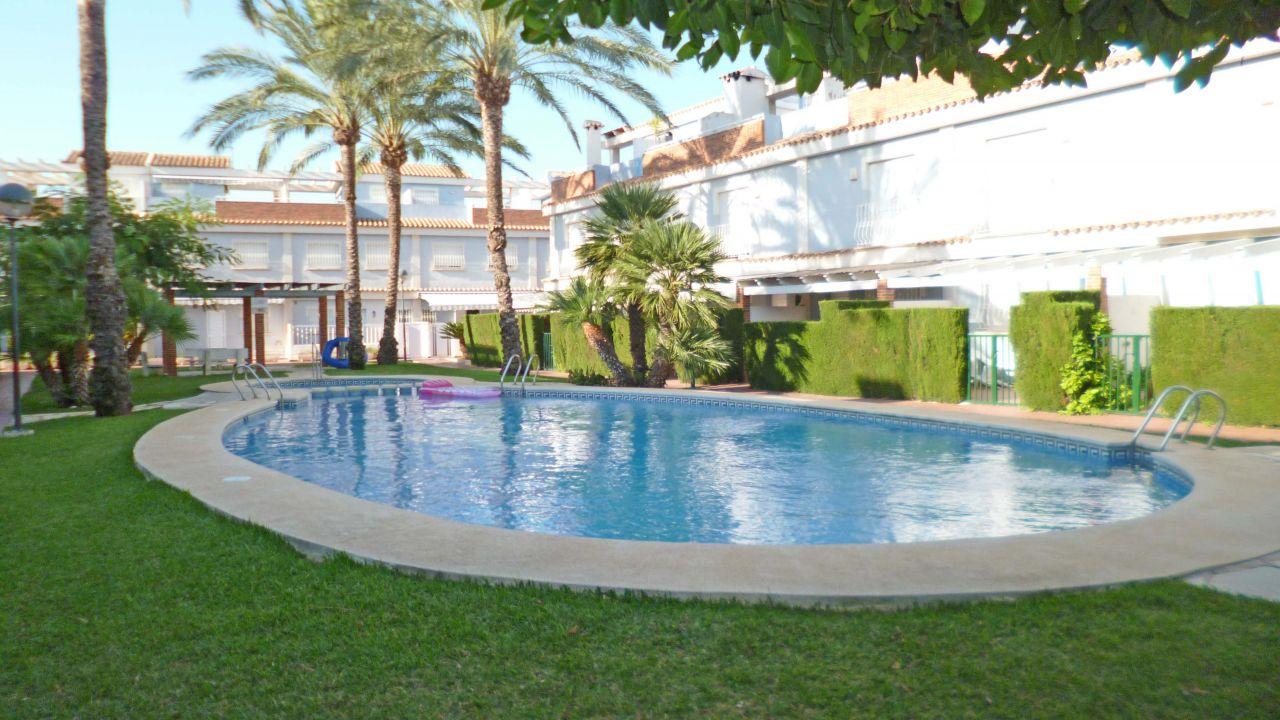Недвижимость в испании у моря аликанте университет
