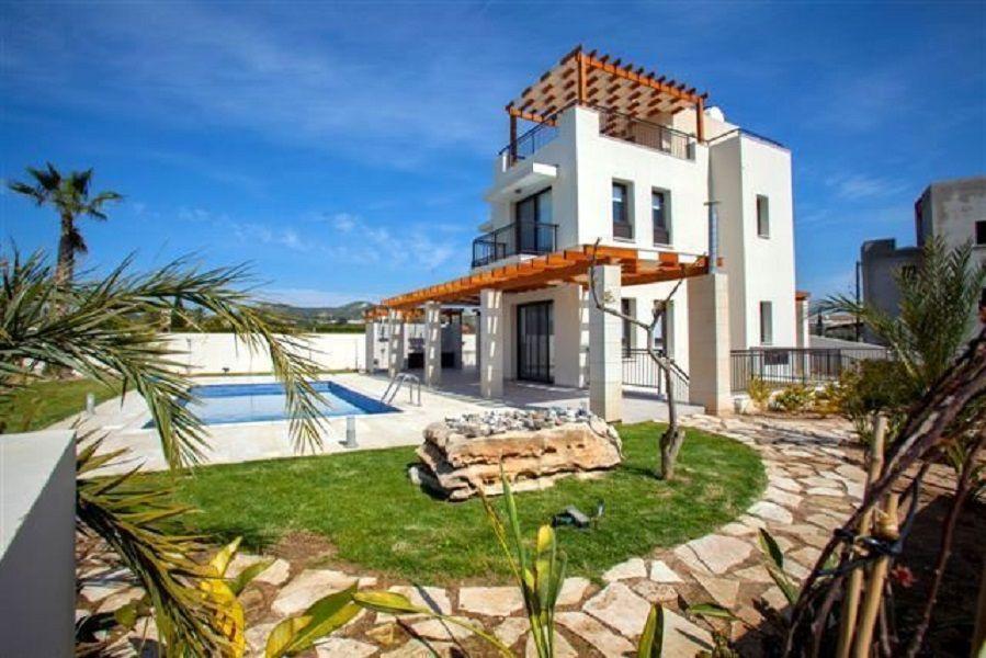 Вилла в Ларнаке, Кипр, 607 м2 - фото 1