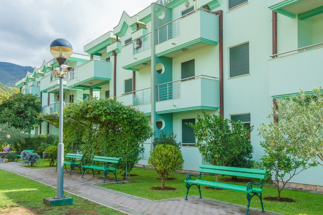 Апартаменты в Зеленике, Черногория, 79 м2 - фото 1