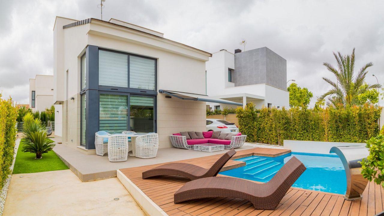 Цена на недвижимость в испании у моря недорого