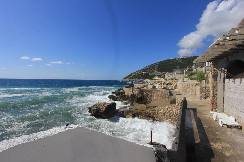 Вилла в черногории у моря продажа