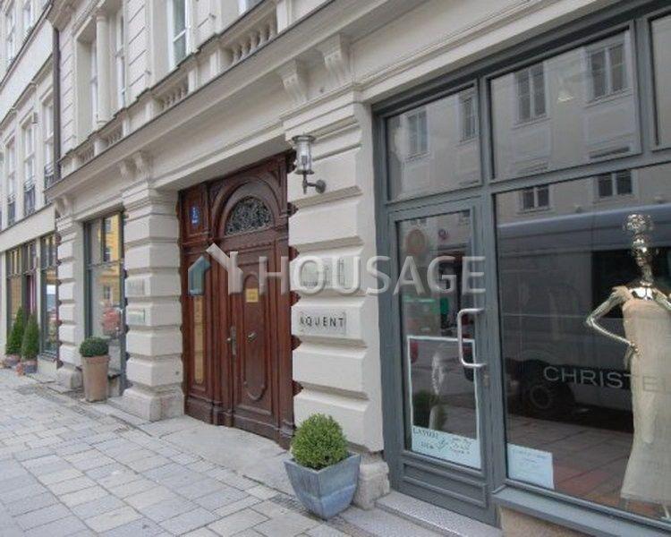Коммерческая недвижимость в Мюнхене, Германия - фото 1
