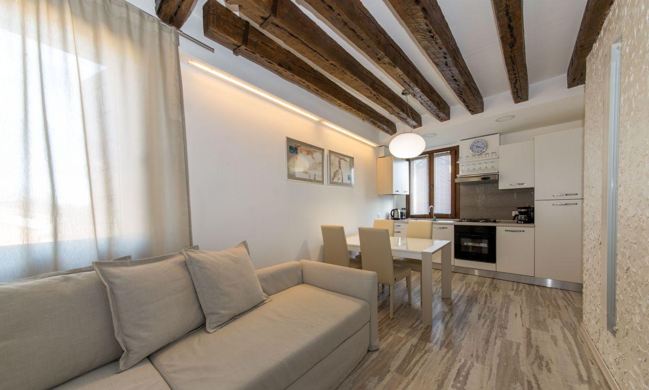 Апартаменты в Венеции, Италия, 70 м2 - фото 1