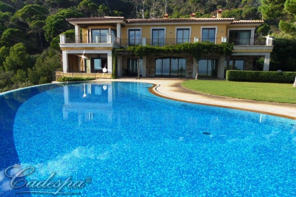 House in Corciano on the coast inexpensively