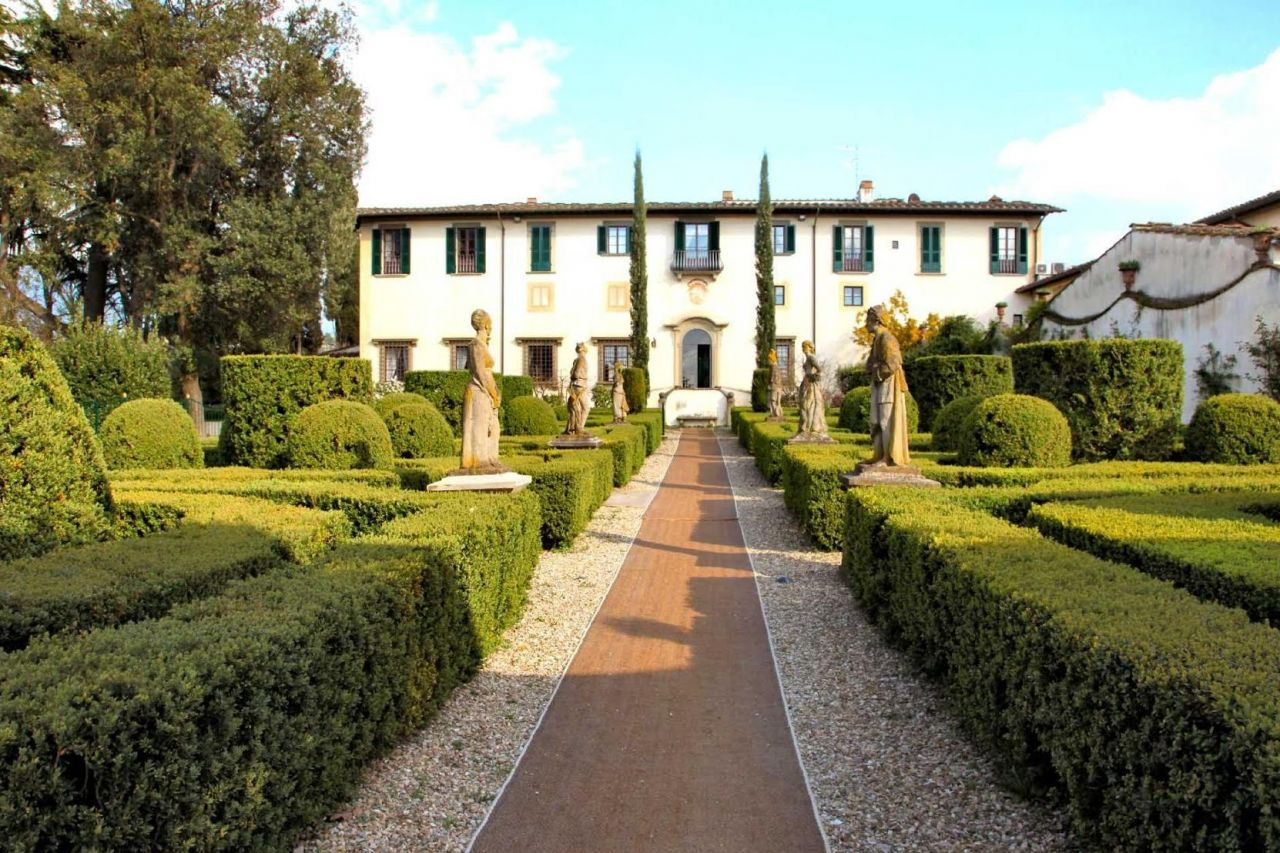 Buy property in Florence photo prices