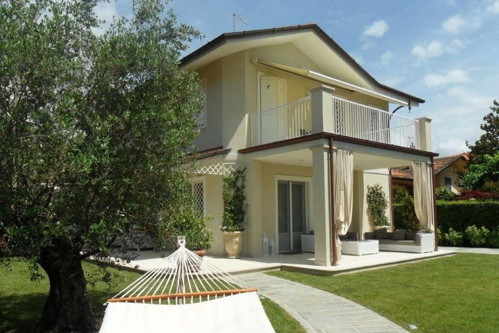 Buy a house in Lucca 100,000 EUR