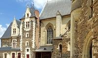 Во Франции могут отменить гербовый сбор