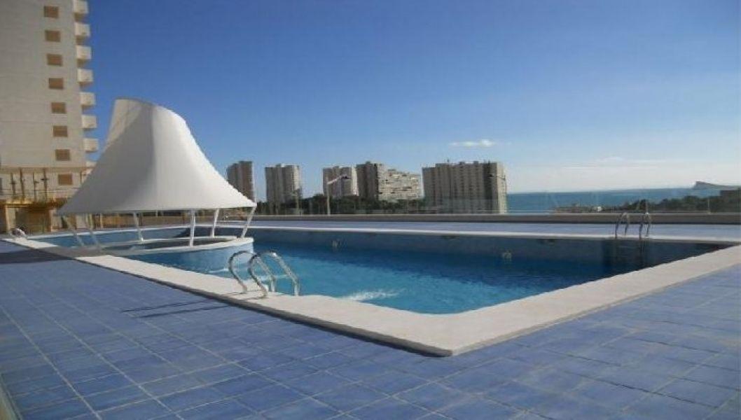 Коммерческая недвижимость в Бенидорме, Испания, 90 м2 - фото 1