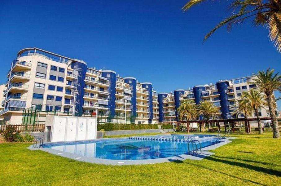Коммерческая недвижимость в Бенидорме, Испания, 852 м2 - фото 1