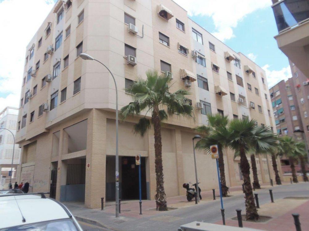 Коммерческая недвижимость в Аликанте, Испания, 810 м2 - фото 1