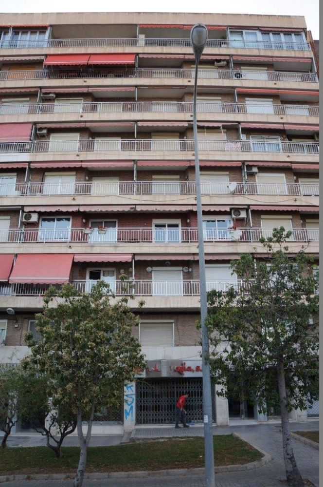 Коммерческая недвижимость в Аликанте, Испания, 220 м2 - фото 1