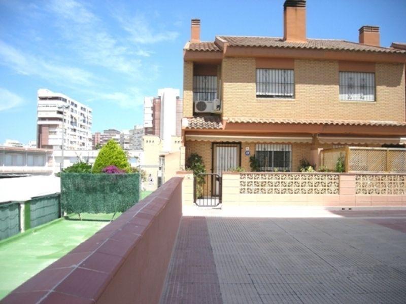 Таунхаус в Аликанте, Испания - фото 1