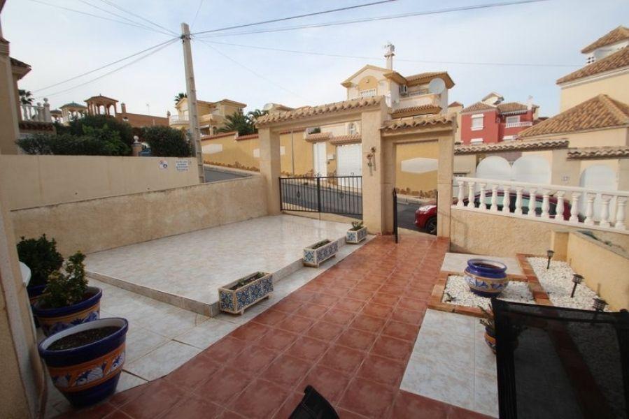 Вилла в Торревьехе, Испания, 130 м2 - фото 1