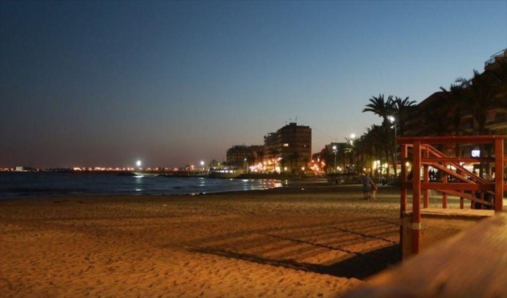 Коммерческая недвижимость в Торревьехе, Испания - фото 1