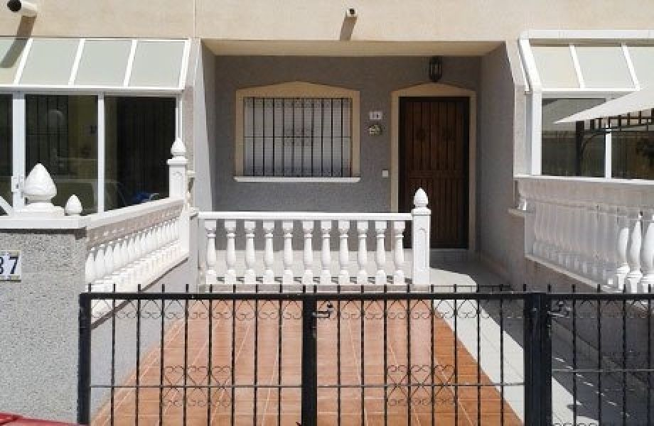 Апартаменты в Ориуэле, Испания, 98 м2 - фото 1