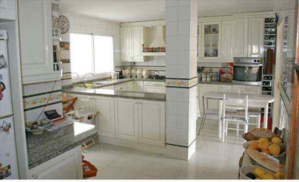 Апартаменты в Аликанте, Испания, 200 м2 - фото 1