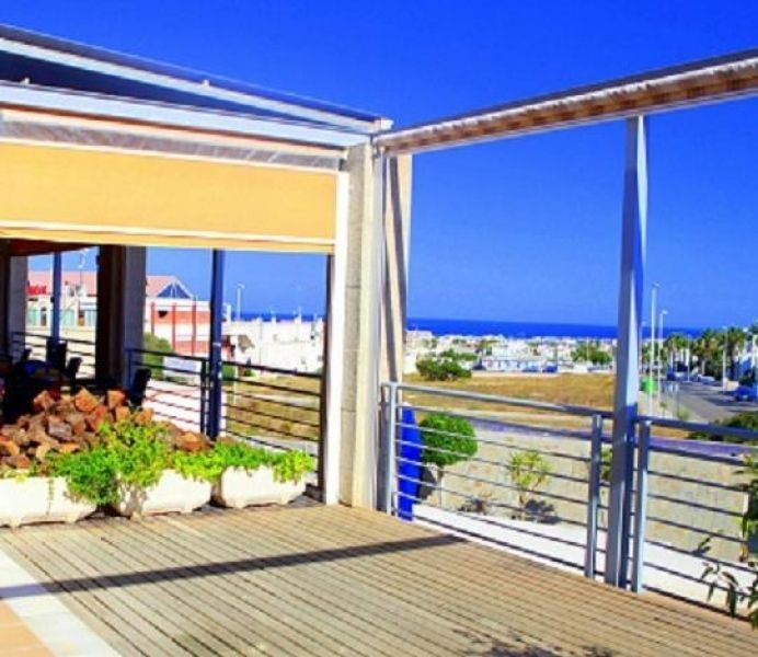 Коммерческая недвижимость в Торревьехе, Испания, 120 м2 - фото 1