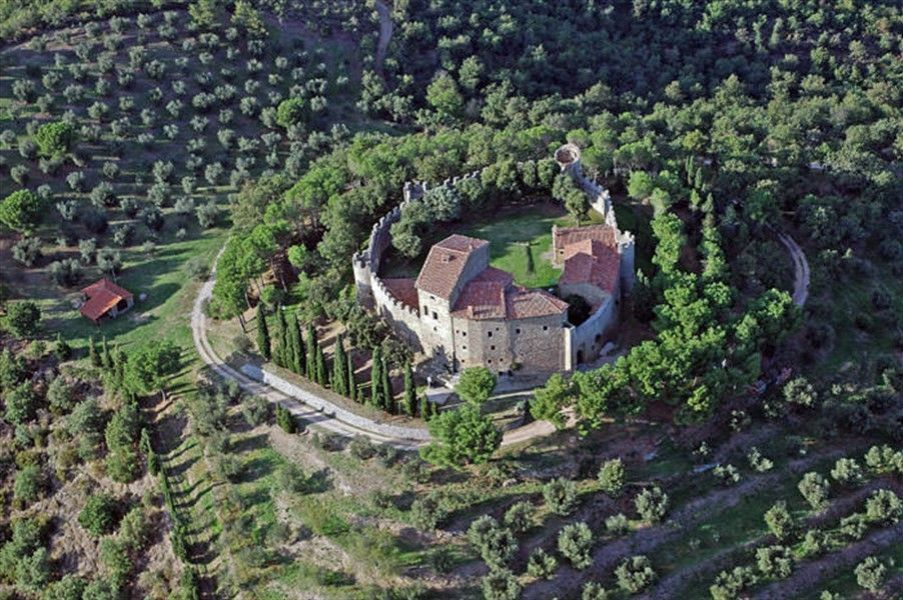Италия замки купить снять дом в сардинии