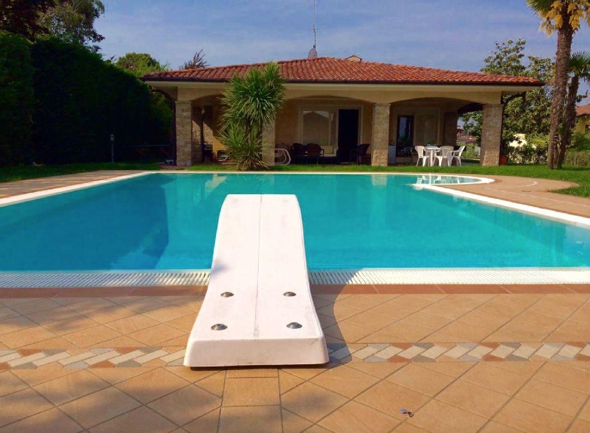 Villa con piscina in Lombardia Solow acquistare