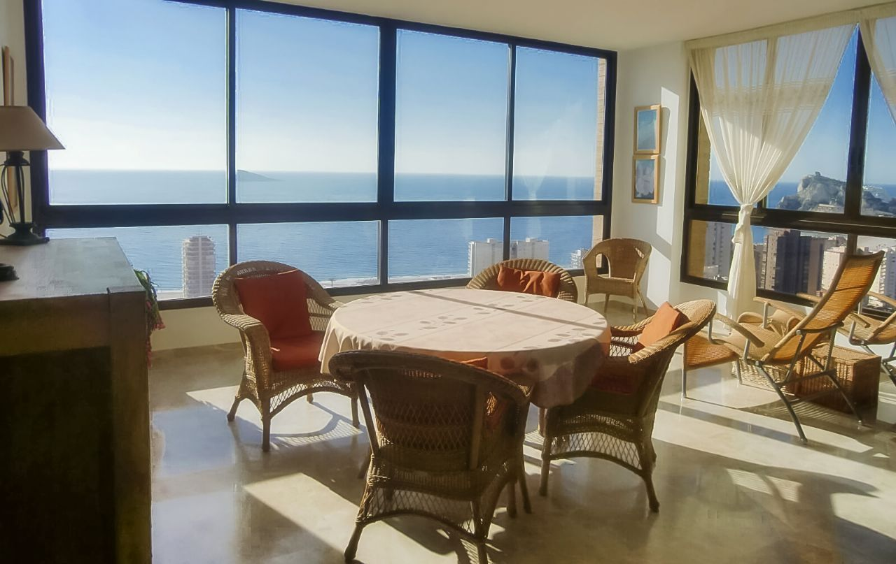 Квартира в бенидорме с видом на море цены