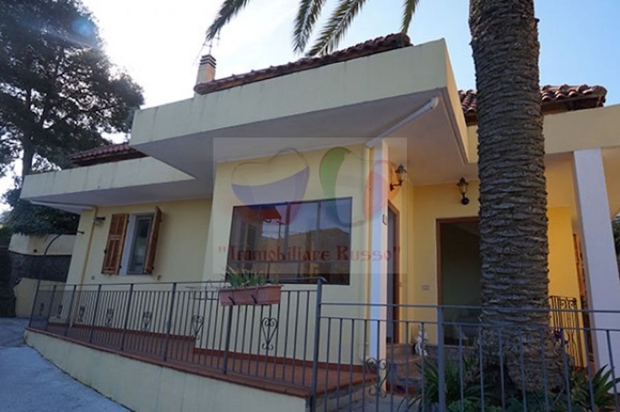 Buy semi-detached house in Ventimiglia