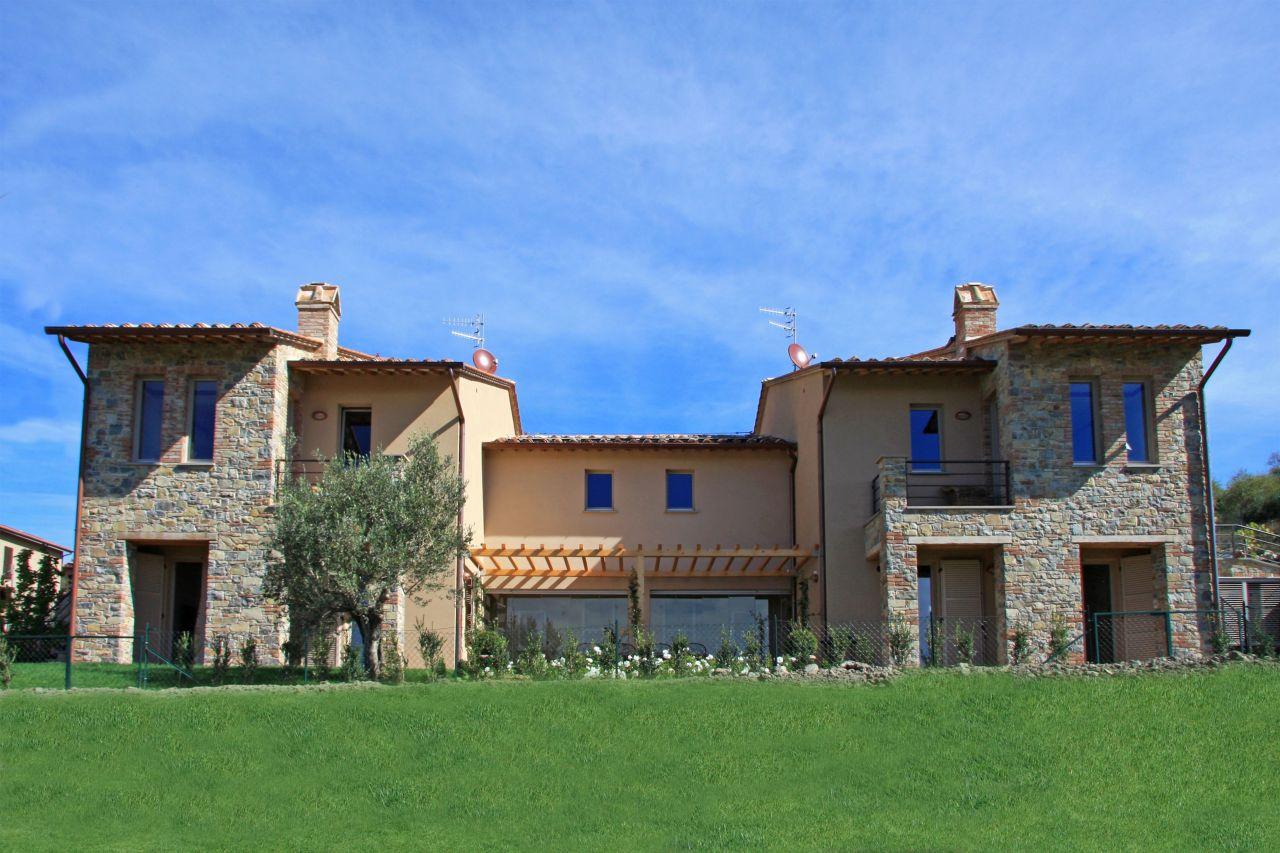 Affittare una villa a Siena al mare