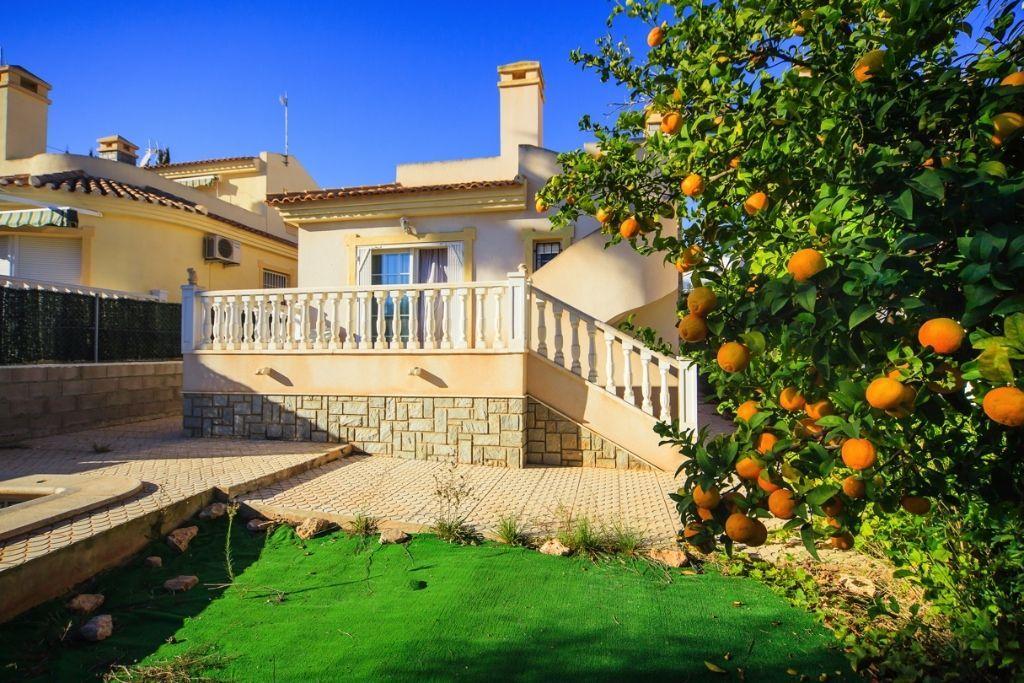 Обзор недвижимости испания