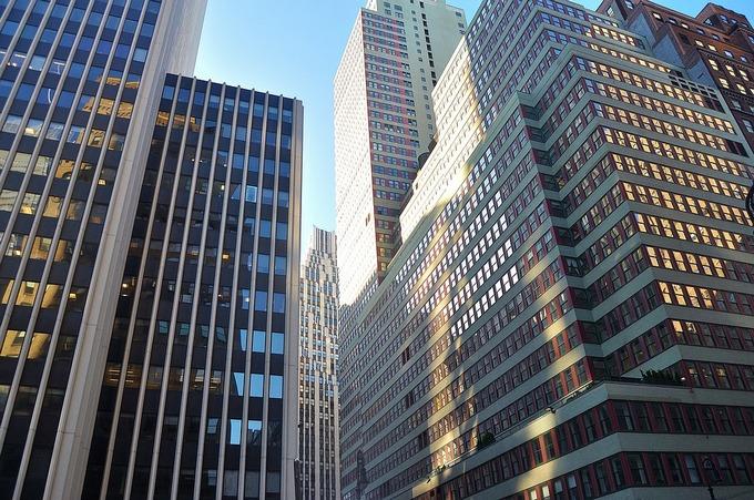 Кризис инвестиции вложения коммерческая недвижимость аренда офиса в приморском районе недорого