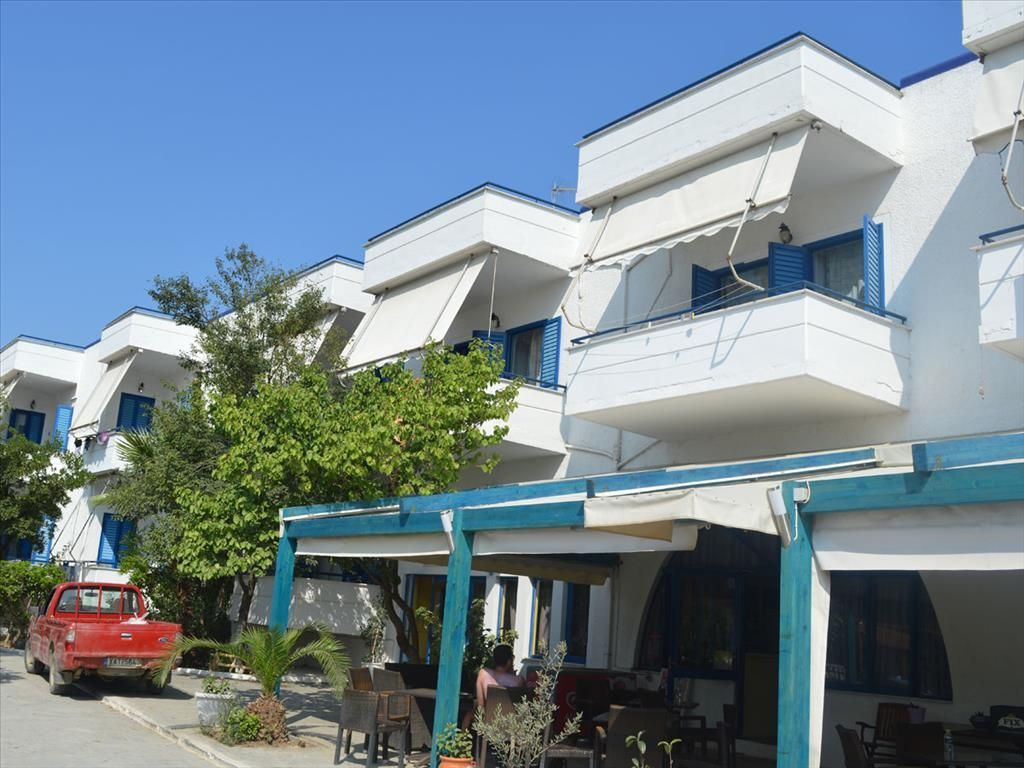 Где недвижимость в Аморинфос