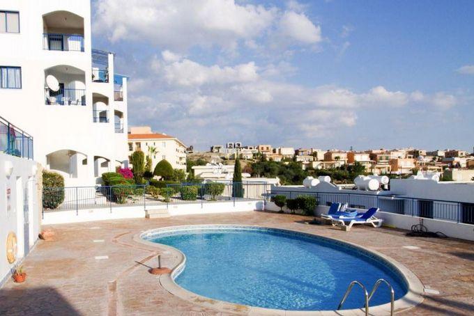 7bdc2091e9fc8 Недорогие квартиры стоит искать в таких районах, как Протарас, Паралимни,  Ларнака, Пафос. Выбор здесь самый большой. Лимассол – финансовый центр и ...