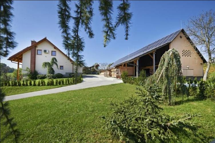 Коммерческая недвижимость словения Арендовать помещение под офис Овчинниковский Большой переулок