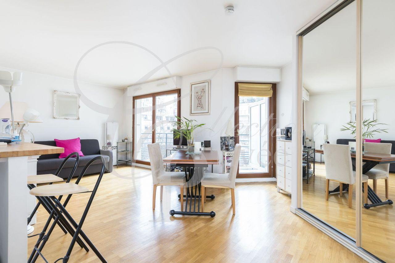 Квартира в париже цена таиланд купить дом цены