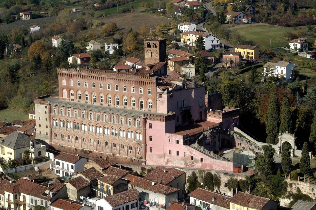 Италия замки купить как купить недвижимость в испании