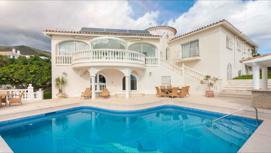 Купить дом в париже недвижимость испании на берегу моря
