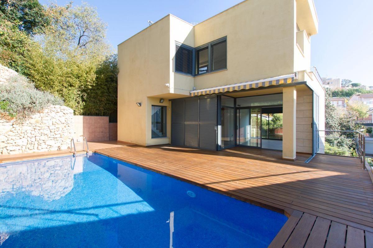 Дома в барселоне цены декларация недвижимости за рубежом