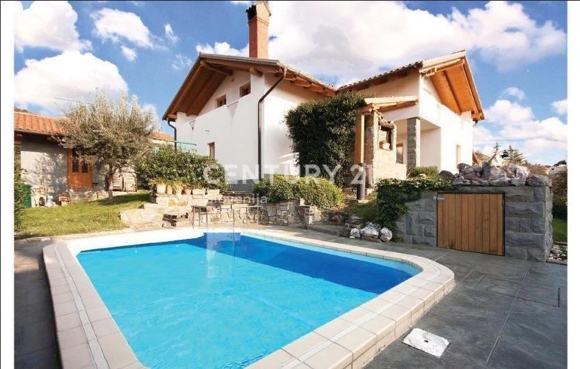 Купить дом в словении у моря где лучше жить в дубае или франции